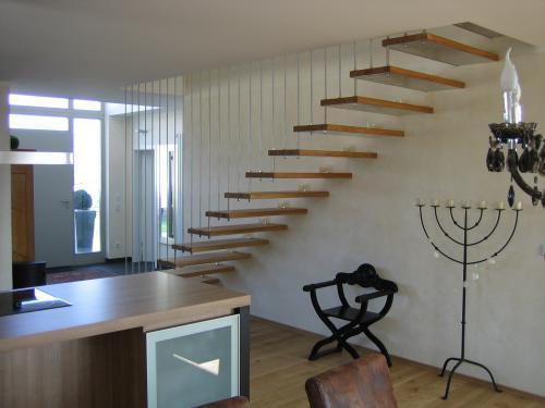 Freitragende Treppe metallbau kummer usedom zempin balkongeländer windschutz